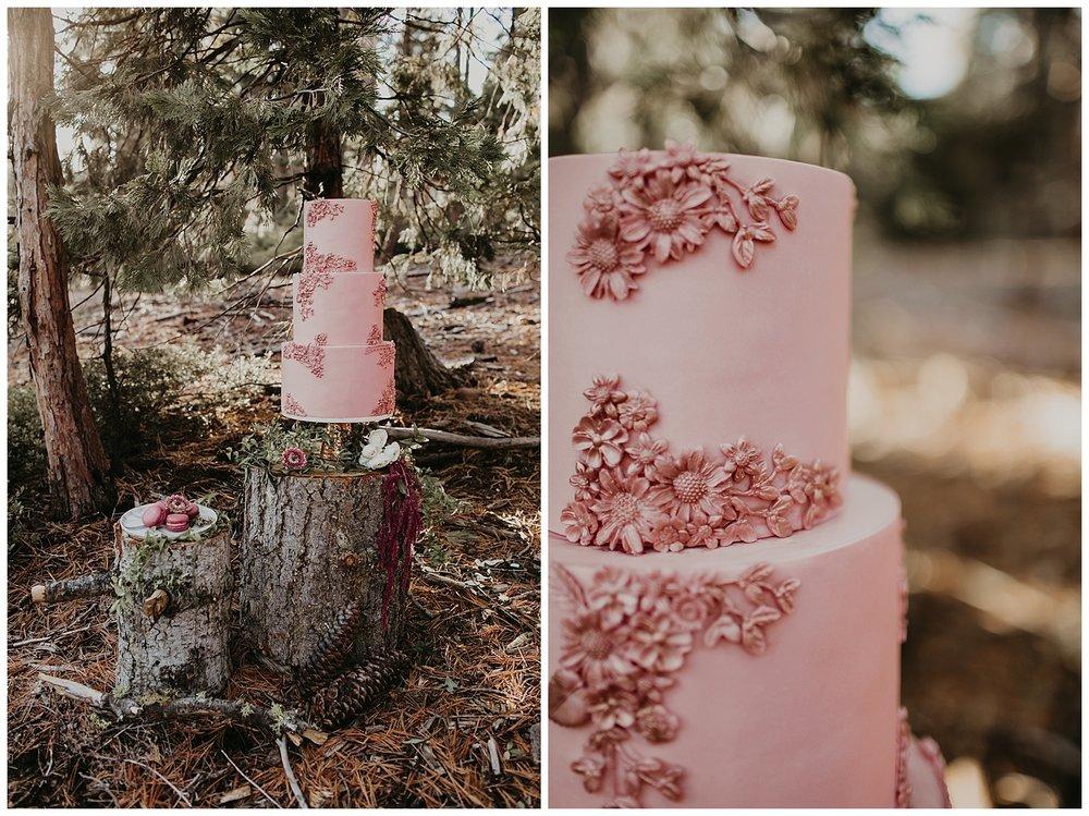 lake-tahoe-winter-wedding-boho-wedding-cake-blush-florals.jpg