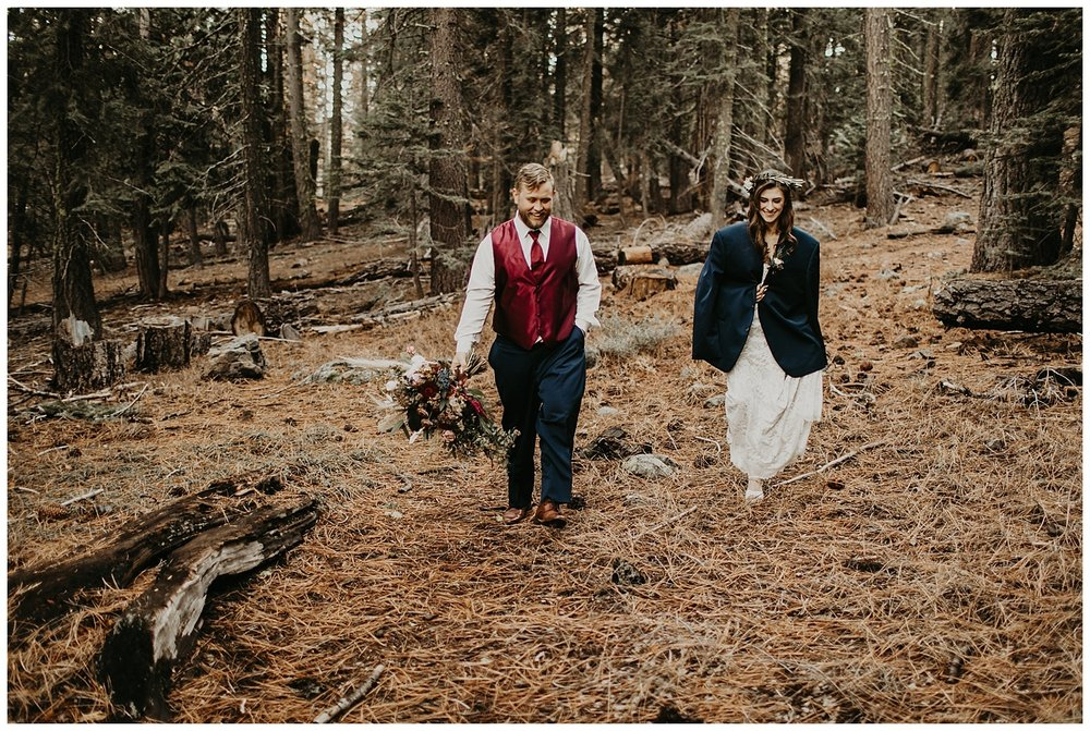 lake-tahoe-winter-wedding-outdoor-couple-pictures.jpg