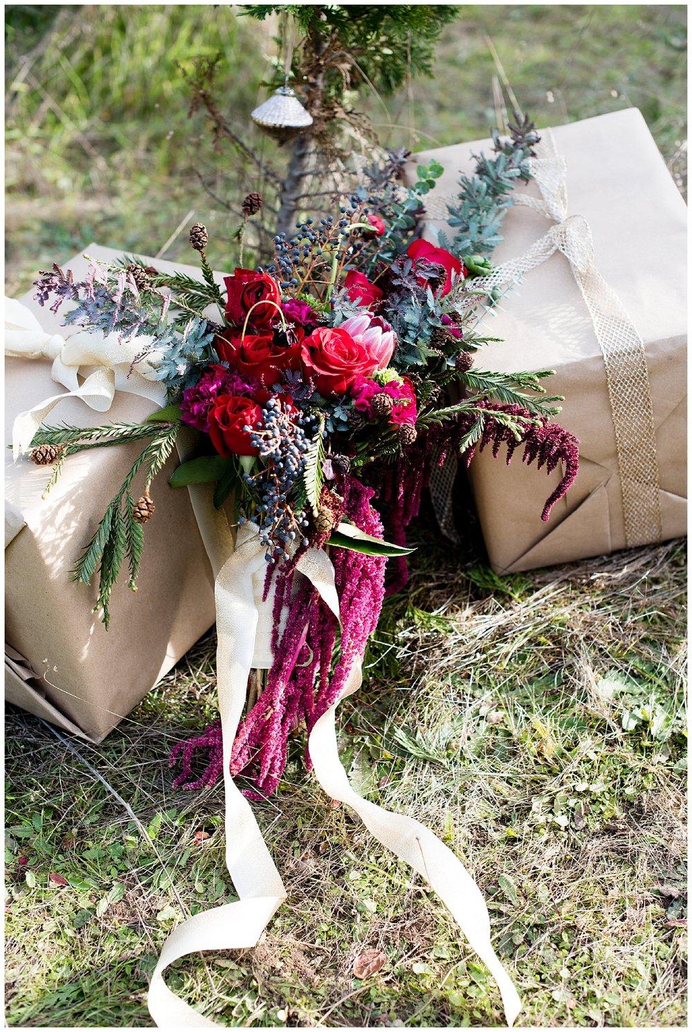 christmas-wedding-ideas-forest-presents.jpg