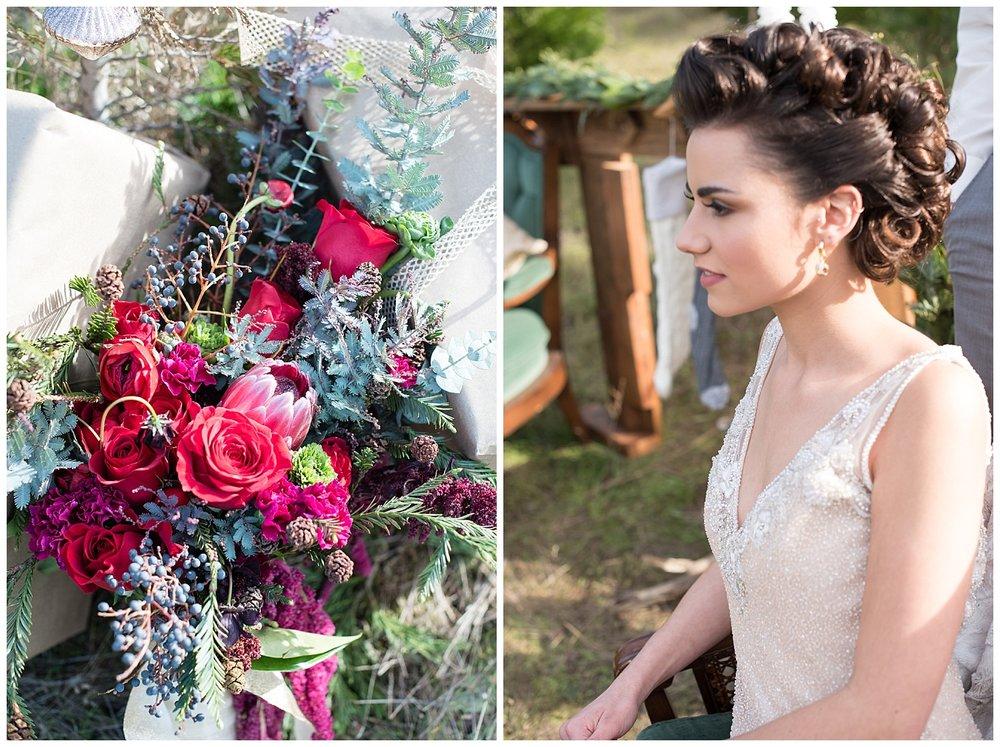 christmas-winter-wedding-bouquet-bride.jpg