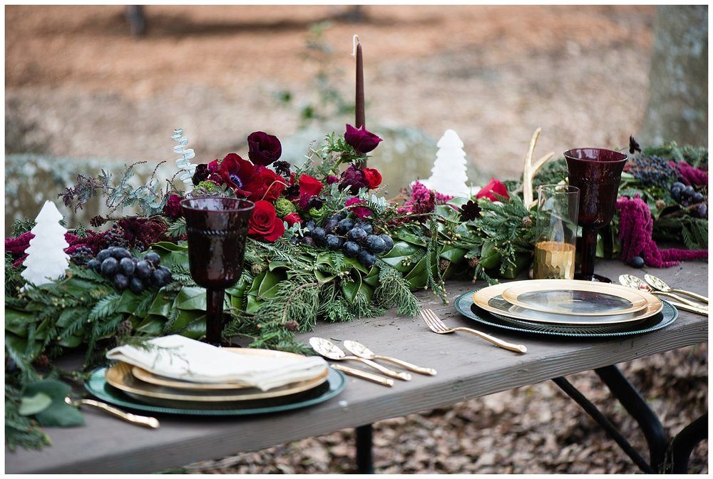 winter-forest-wedding-table-decorations.jpg