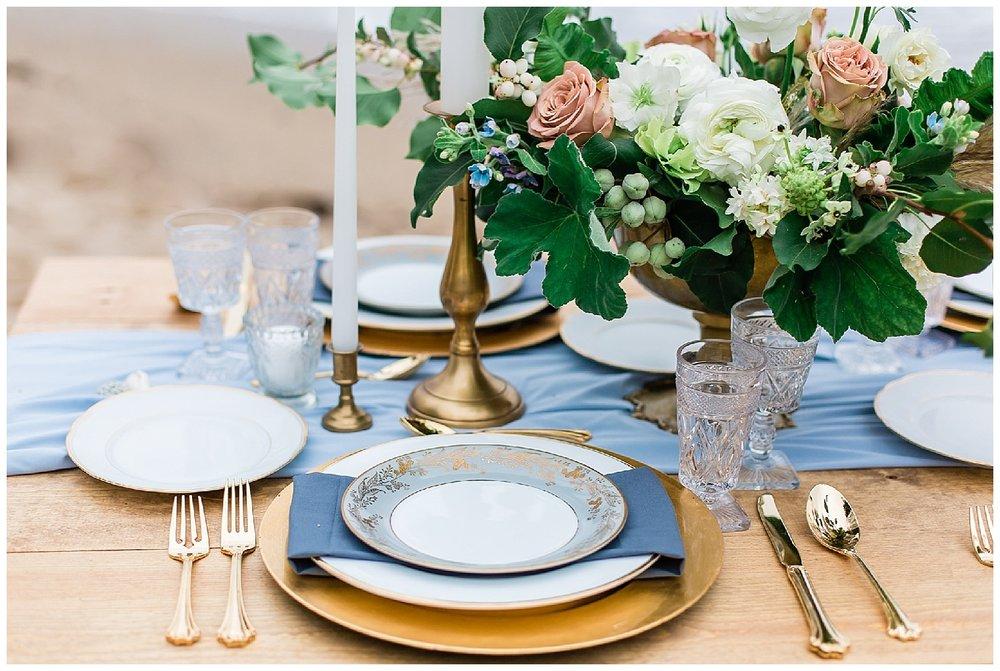 gold-table-setting-wedding.jpg