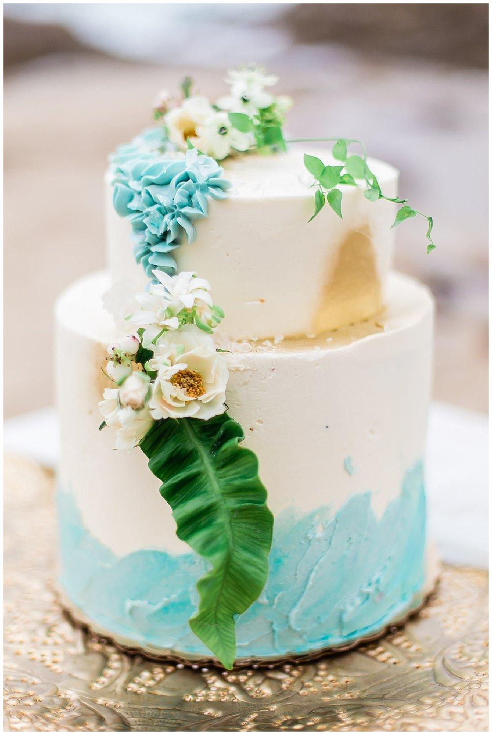 ocean-inspired-wedding-cake.jpg