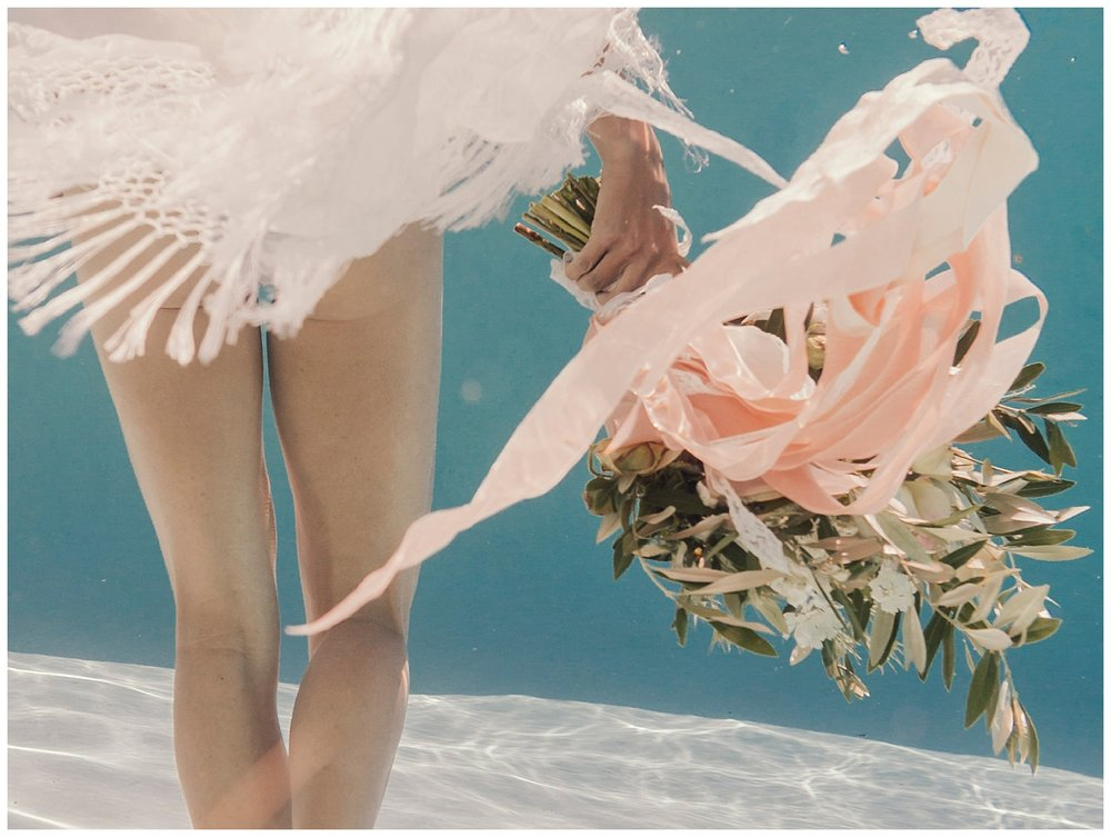 underwater-wedding-bouquet.jpg
