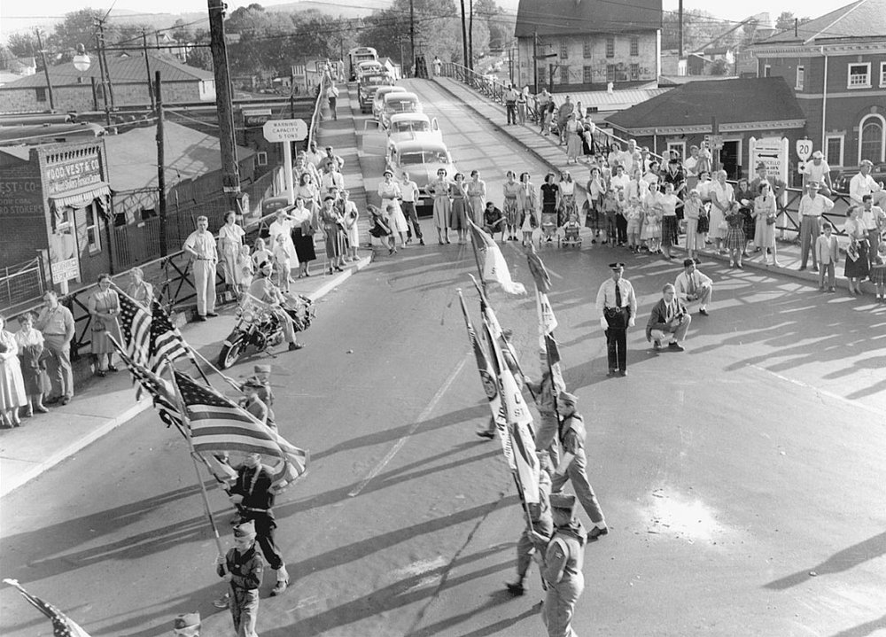 Traffic coming into town from the south end of the city and county came to a halt. The Belmont Bridge was closed because of the Apple Harvest Festival parade in 1951.  (Courtesy Ed Roseberry.)