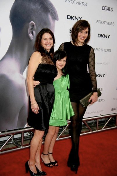 Kaitlin Vilasuso, Patricia Riley & Bailee Madison - That Cozy Life