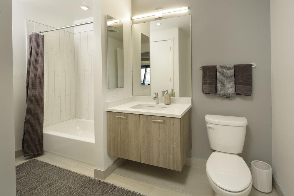 Solstice_2bed_Bathroom-2-1105_SS.jpg