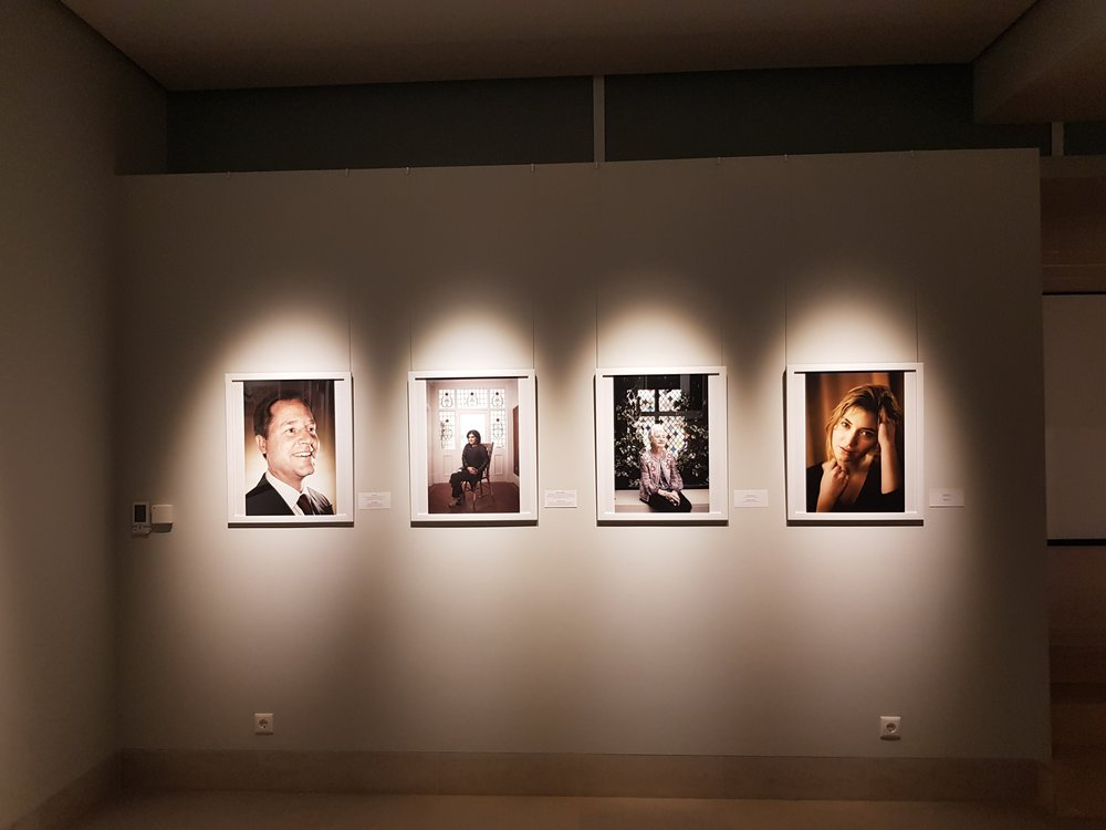 siberia exhibition of british celebrity and fine art photographer matthew lloyd in gallery _0029.JPG