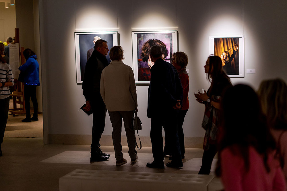 siberia exhibition of british celebrity and fine art photographer matthew lloyd in gallery _0032.JPG