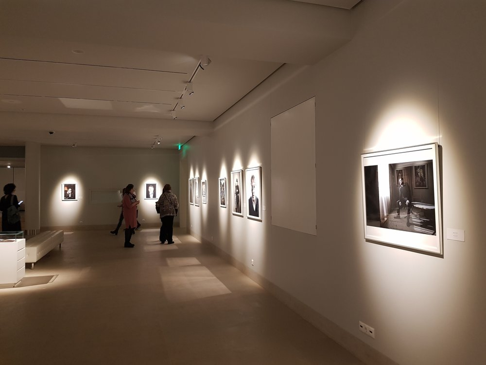 siberia exhibition of british celebrity and fine art photographer matthew lloyd in gallery _0036.JPG
