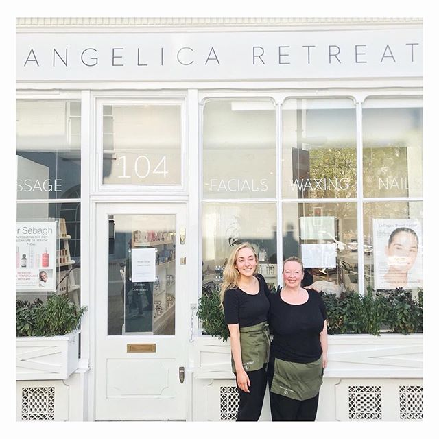 ☀️Our lovely girls outside the spa today! Pop in to see us and have a treatment to get your body ready for the sunny weekend ahead! ☀️ #sun #london #islington #spa #dayspa #sunshine #pamper #manicure #weekend #wellness #wellbeing