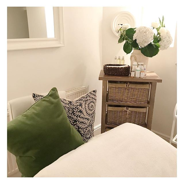 🌿 Why not book in for a pampering treatment in one of our luxurious treatment rooms!  #skin #skincare #london #wellness #wellbeing #relax #pamper #massage #islington #spa #dayspa #beauty