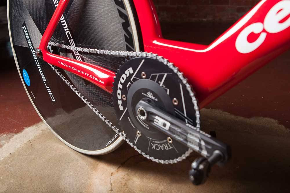 The Rotor Track SRM with 56 tooth chainring, CeramicSpeed equipped Mavic disc, and UFO chain.