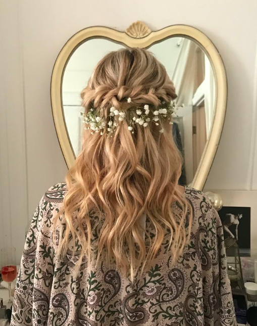 Wedding hair.png