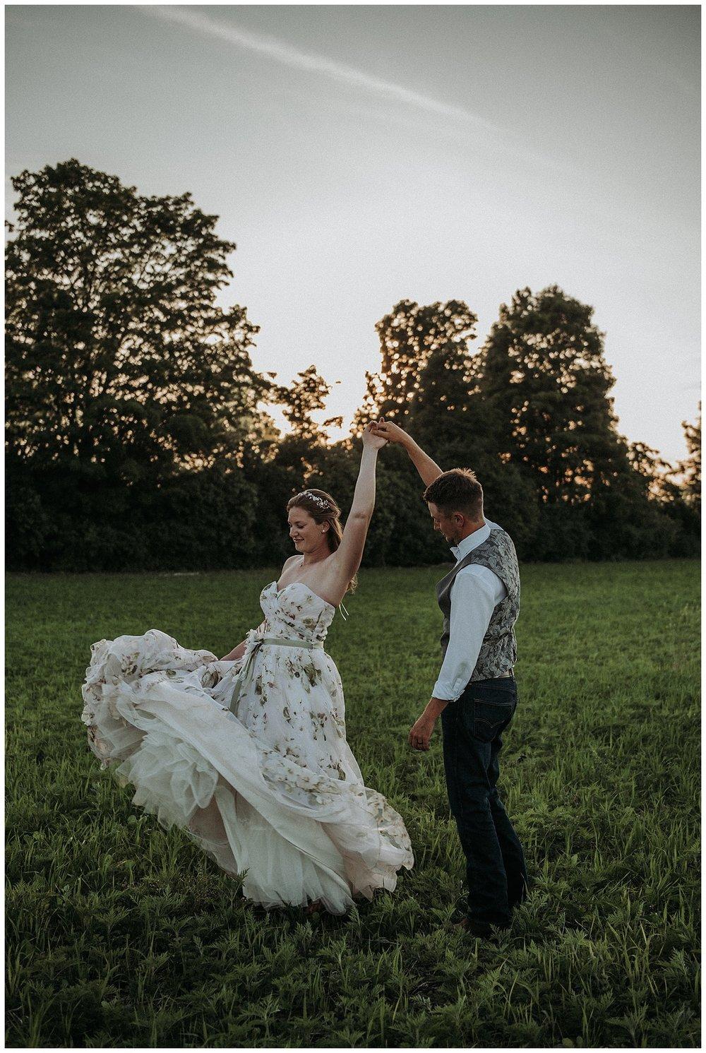 backyardwedding_Holly-McMurter-Photographs.jpg