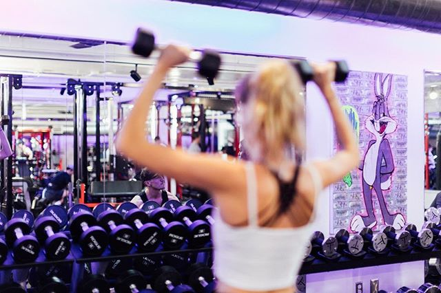 Why are girls afraid to lift weights? Is it knowledge? Don't want to get embarrassed? What are you scared of? More importantly, how can WE help? Comment below what's stopping YOU from lifting weights. #coregirls