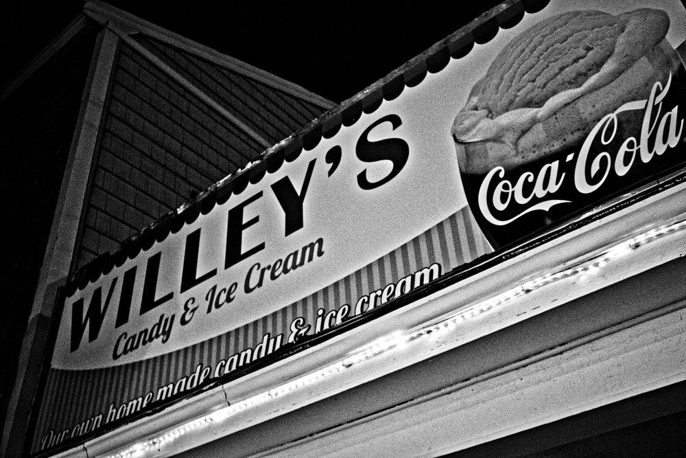 willeys_bw.jpg