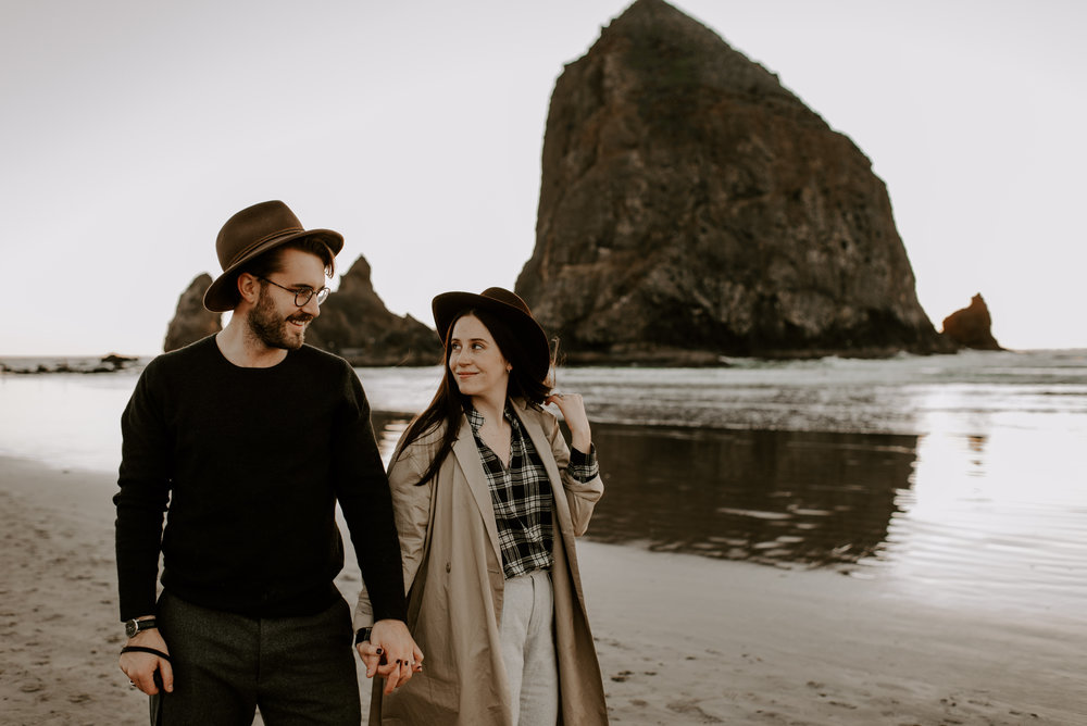 KATIEANDNIC-cannonbeach-couplessession-madelinerosephotographyco-123.jpg
