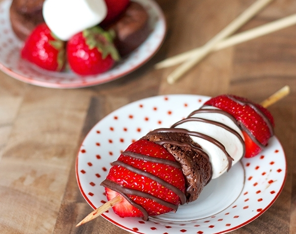ericasweettooth.com   You won't be disappointed with this creative recipe for Valentine's Day.