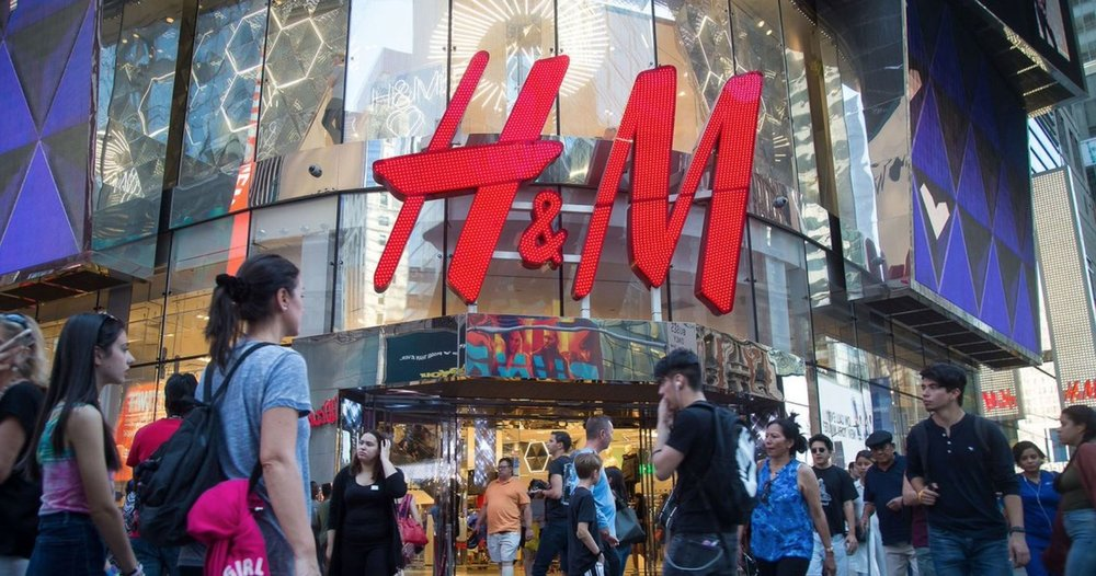 Blavity.com  As more shoppers move online, many retailers are forced to shut down stores and H&M is now among them.