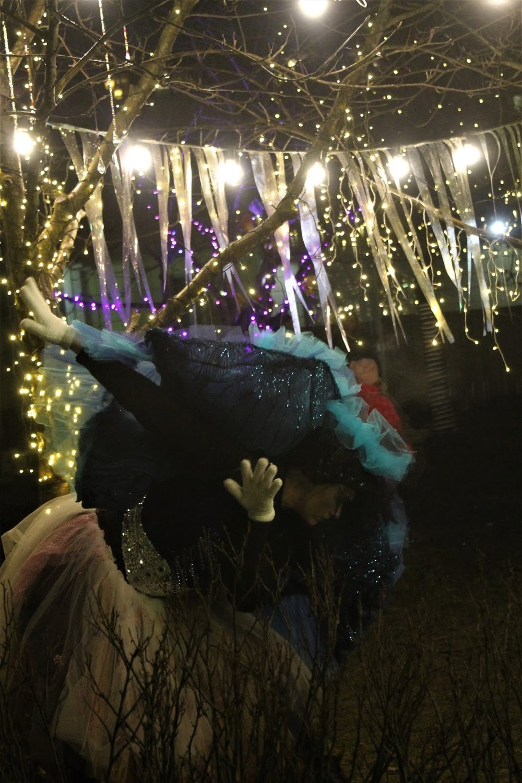"""Laura Pentzin as """"Ostrich""""  Photocredit - Minkun Matkassa"""
