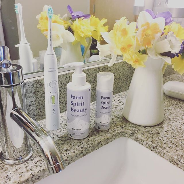 #Morningroutine  Nothing better than a refreshing and clean start of the day with Farm Spirit Beauty Products in the morning!
