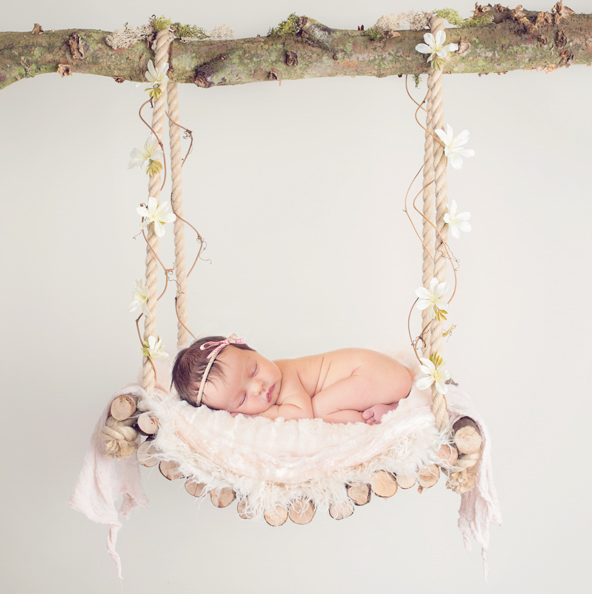 Echo Photography and Doula Baby in swing©Echobirth.jpg