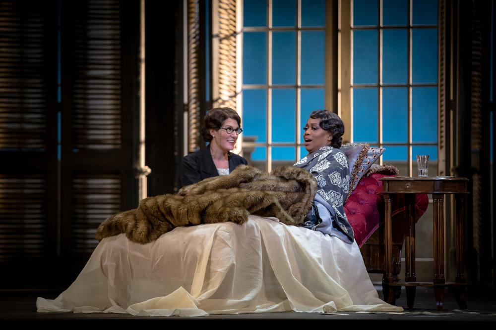 Annina,  La Traviata , Edmonton Opera   Nanc Price Photography