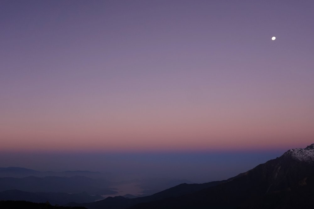 ... the setting moon ...