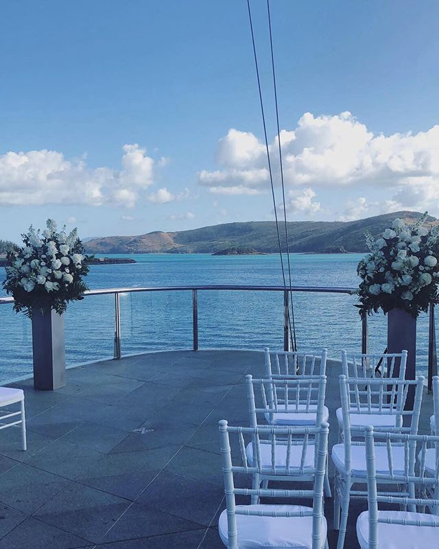 A breathtaking setting for Lance & Shane's wedding yesterday on the gorgeous Hamilton Island... #weddingday #destinationwedding #comedinewithme
