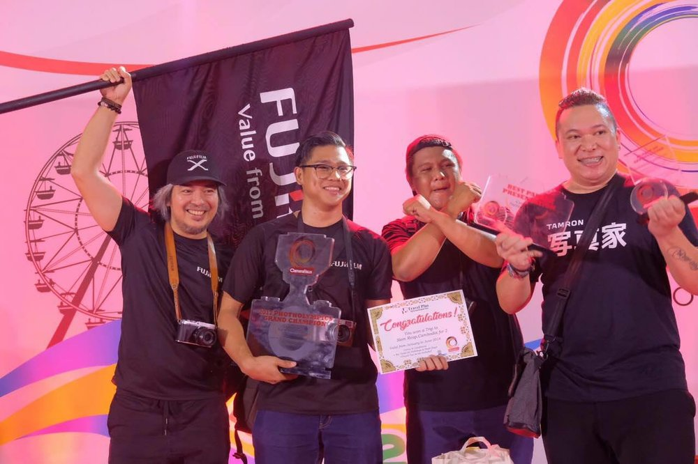 Tuazon with X-Photographers Niko Villegas and Rommel Bundalian