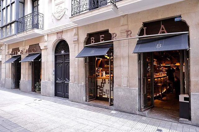 Acabamos el 2018 y no queríamos despedirlo sin daros las gracias a todos por estar ahí. Esperamos que en este año que entra nos sigáis acompañando. ¡Os deseamos que paséis una feliz nochevieja! 🎉🍾🥂🎆 . . #GrupoBilbaoBerria #BilbaoBerria #Bilbao #Barcelona #CatedralBarcelona #IllaDiagonal #Restaurantes #BarcelonaRestaurantes #RestaurantesBilbao #Food #Foodie #Foodies #QualityFood #Gastronomía #HappyNewYear #ExperienciasGatronómicas #Nochevieja #FinDeAño #NewYearsEve