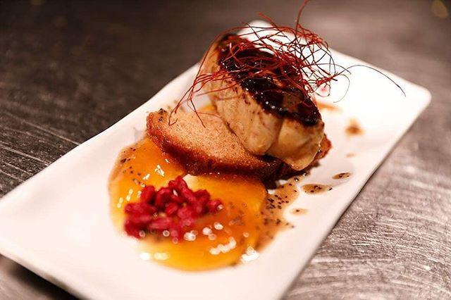 ¡FELIZ AÑO NUEVO! 🤗🥂 Comenzamos el año con un plato de lujo. Foie a la plancha con pan de especias, jugo de amapola y crispy de frambuesa. . . #BilbaoBerria #Bilbao #GrupoBilbaoBerria #BilbaoTurismo #Restaurantes #RestaurantesBilbao #Amapola #Frambuesa #Foie #Food #Foodies #QualityFood #FoodLovers #IgersBilbao #Gastronomía #Feliz2019 #HappyNewYear #FelizAñoNuevo #ExperienciasGastronómicas