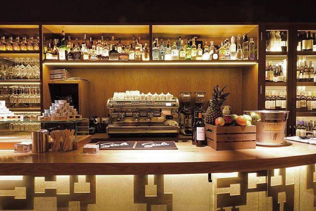 ¡Ya está aquí el fin de semana! Acércate a Bilbao Berria a probar nuestra sorprendente apuesta de coctelería🍸🍹 * * #GrupoBilbaoBerria #BilbaoBerria #Bilbao #Restaurantes #BilbaoTurismo #FoodLovers #RestaurantesBilbao #EuskadiTurismo #Coctel #Cócteles #IgersBilbao #CocteleriaCreativa #FinDeSemana #ElMejorPlan #Food #Foodie