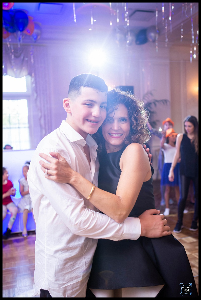 New-jersey-photographer-randolph-meadow-wood-manor-mitzvah-16.JPG