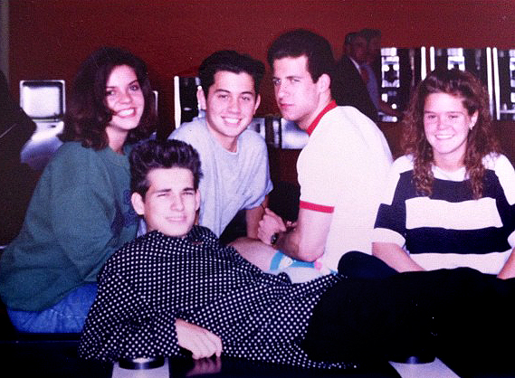 Oliver in the middle in a grey t-shirt and Adam to his left in white. Around 1989, rocking' the Breakfast Club vibes.