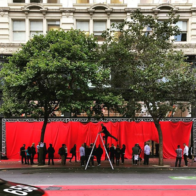 On location for the new Verizon store launch in SF //#canyouhearmenow #marconaladder #gammanine 📸: @andrewherrold