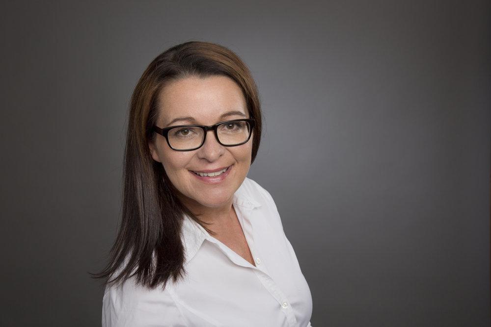 Eeva Kiuru kouluttaa ja valmentaa terveyden innovaattoreiksi sekä innovoinnin ensikertalaisia, että pidemmälle ehtineitä.