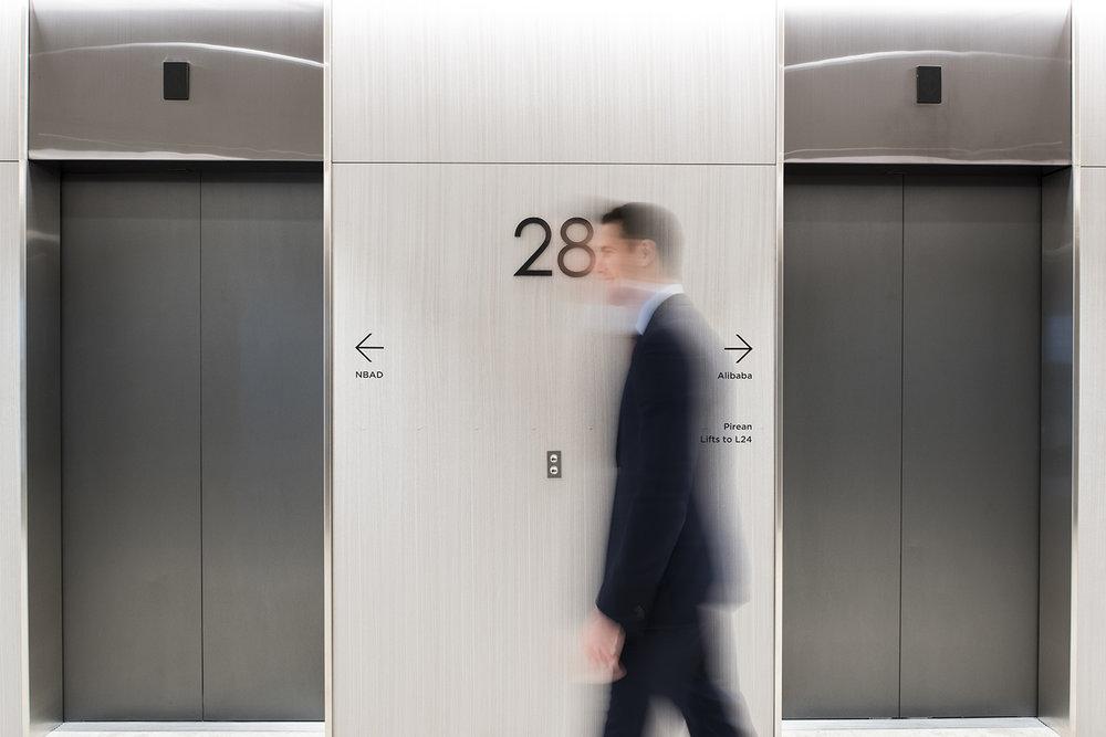 1_canada_square_level_28_lift_lobby_05.jpg