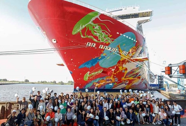Genting Dream during final construction at MV Werften in Germany