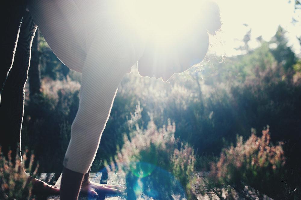 yoga-picture-scottish-highlands-hände-füße.jpg
