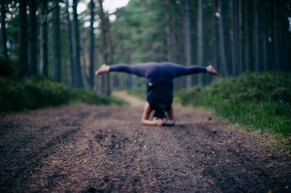 yoga-picture-scottish-highlands-katy-scherer-headstand.jpg