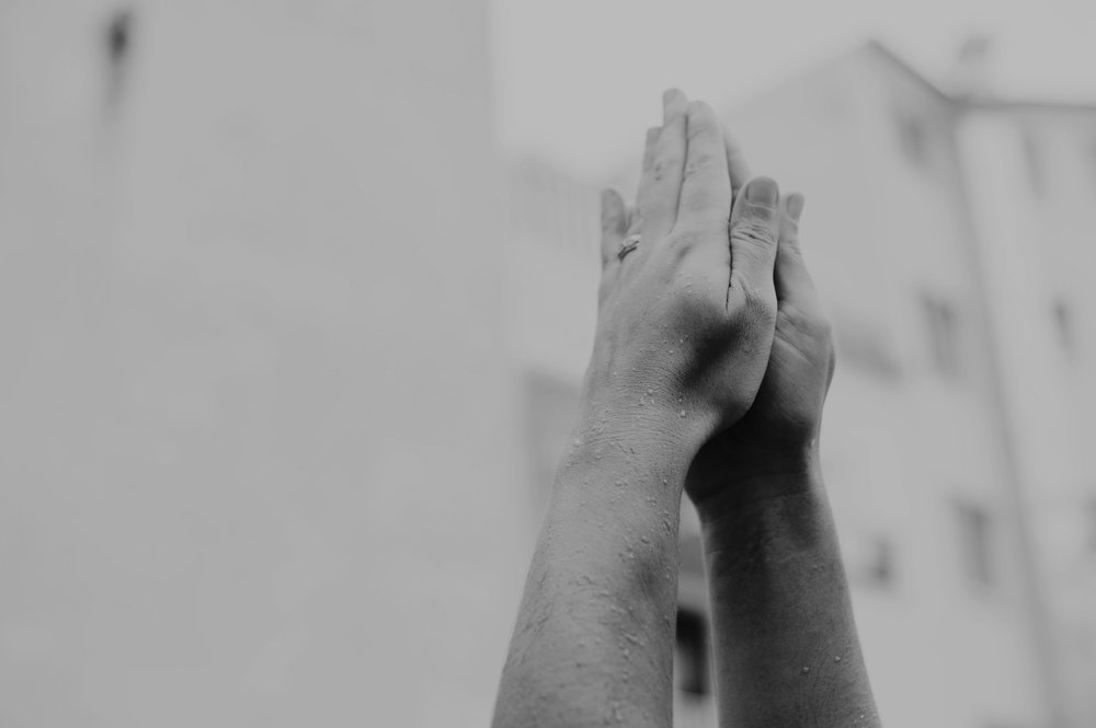 yoga-foto-prayer-hands.jpg