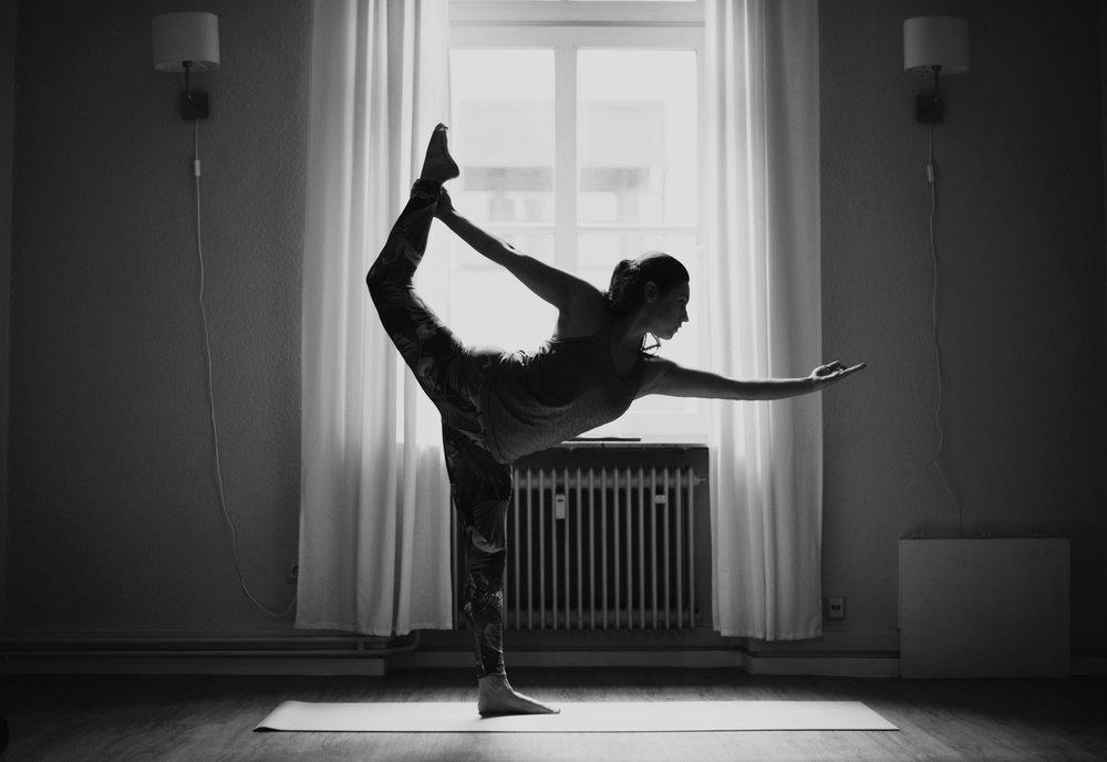 yoga-picture-the-vinyasa-people-katy-scherer-2.jpg