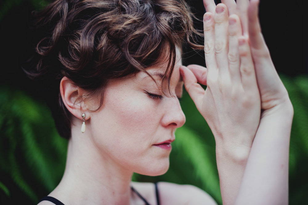 yoga-fotografie-tanzen-prayer.jpg
