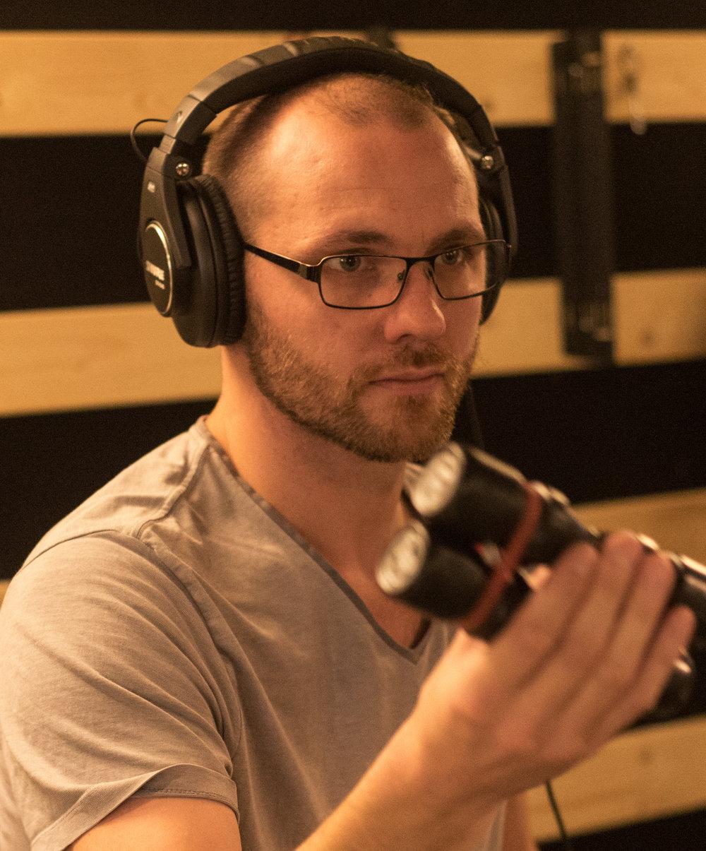 Poul Amaliel - Trommer, percussion, kor