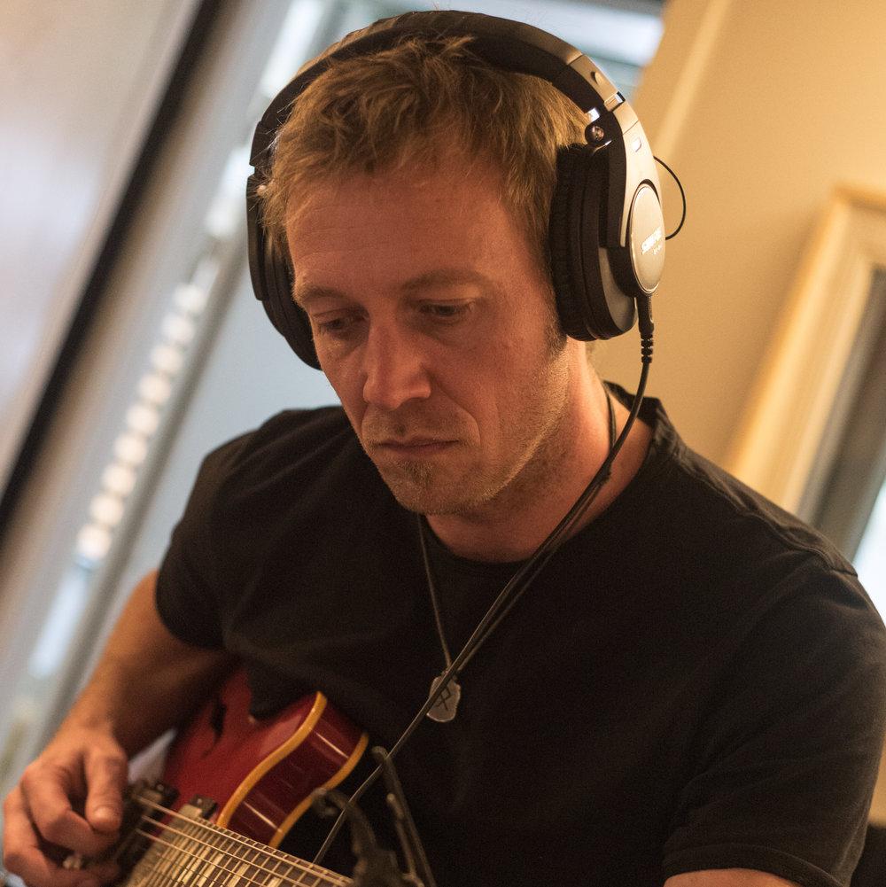 Kevin Monie - El-guitar, lap-steel