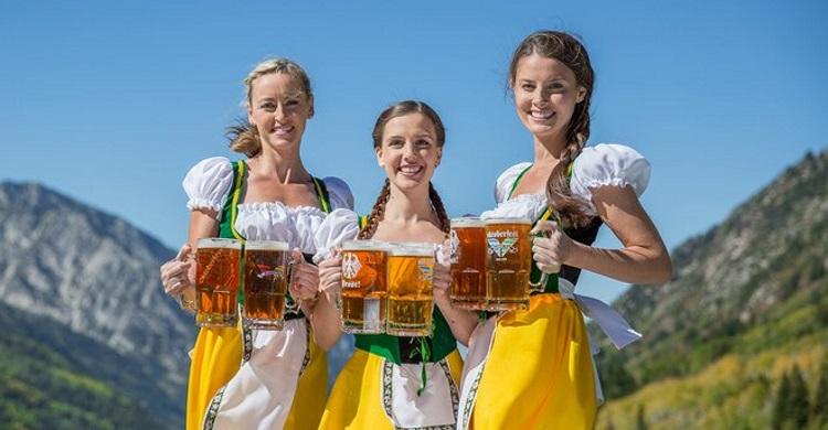 Heidi, Brunhilde & Helga önskar Er varmt välkomna!