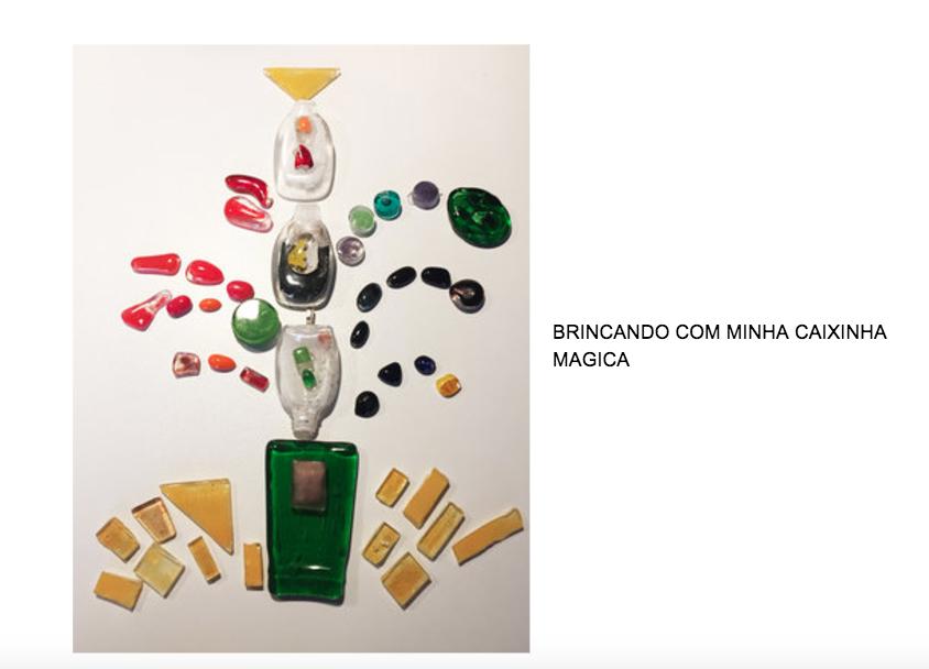 BRINCANDO COM MINHA CAIXINHA.png