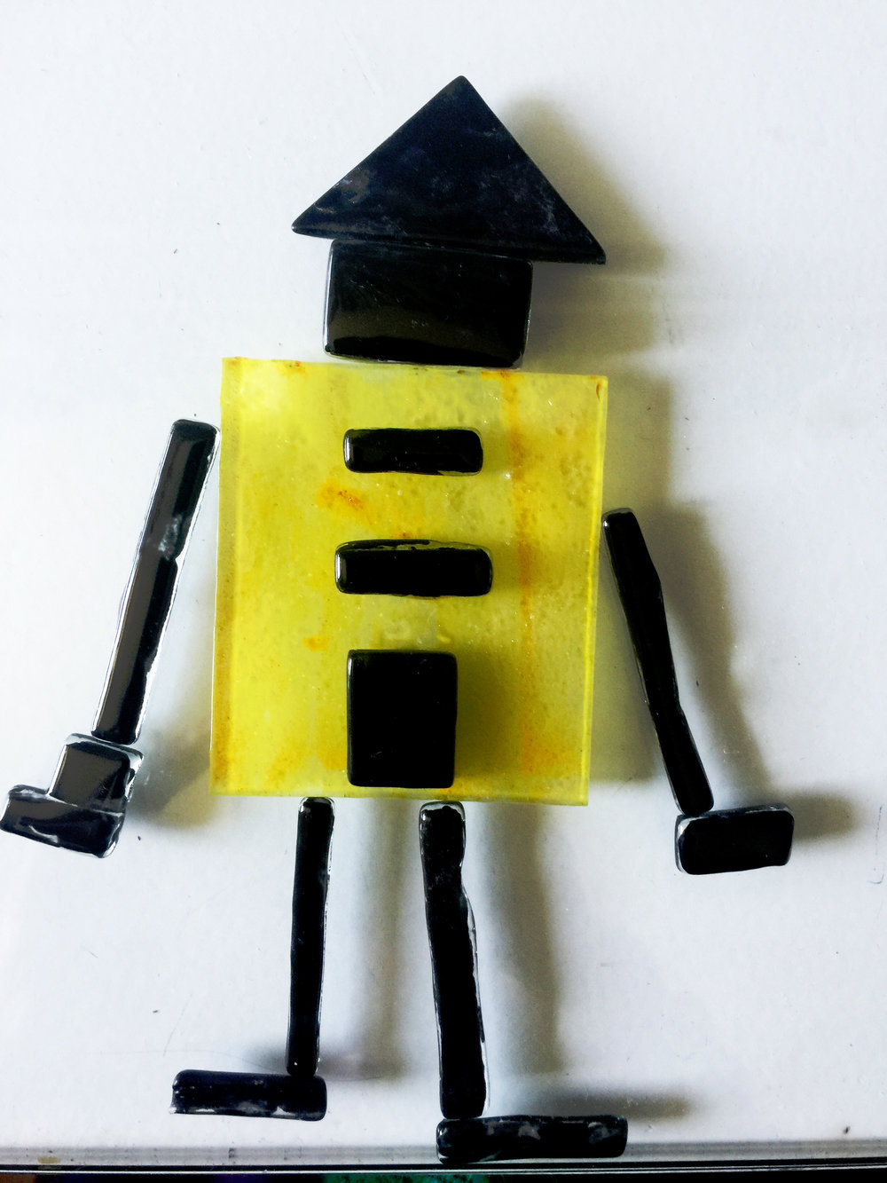 boneco preto e amarelo.jpg